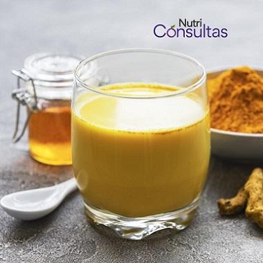Leche dorada, golden milk beneficios de la cúrcuma